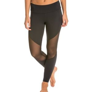 Onzie mesh insert leggings size XS